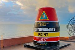 Key West (Edi Bhler) Tags: sea sky usa nature clouds meer unitedstates florida natur himmel wolken skulptur waters keywest ferien floridakeys gitter beschriftung gewsser 28300mmf3556 nikond800