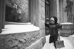 (patrickjoust) Tags: baltimore maryland snow konicahexarrf voigtlandercolorskopar21mmf4 legacypro400 developedinxtol11 35mm black white bw rangefinder cv cosina voigtlander 21 wide angle ltm leica thread mount m39 adapter expired film home developed blancetnoir blancoynegro schwarzundweiss manual focus analog patrick joust patrickjoust md usa us united states north america estados unidos autaut vernon mt blizzard kid boy shovel shoveling sidewalk row house winter voigtlandercolorskopar21mmf40
