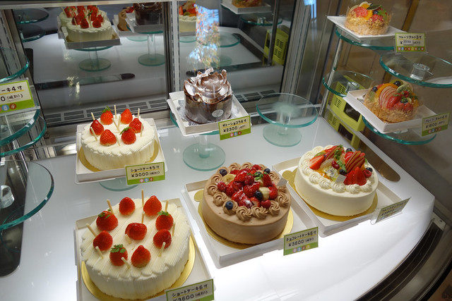 もちろんホールケーキもあります。|ラシェット・ブランシュ湘南長後本店