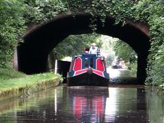 BRIDGE 33 || BRUG 33 (Anne-Miek Bibbe) Tags: maria engeland england kanaal canal boot narrowboat varen canonpowershotsx280hs annemiekbibbe bibbe nederland 2016 bridge 33 brug