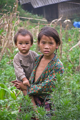 Brother and sister in Sa Pa, Viet Nam (NeSlaB ф.) Tags: woman nature girl field landscape photo women asia rice terraces young photojournalism vietnam agriculture sapa laocai developingcountries reportage neslab