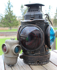 Comparison (view2share) Tags: railroad travel history lamp wisconsin train lens auction transport may rail railway rr trains right historic signals crew transportation rails marker restoration fresnel lantern renovation artifact signal wi gn markers railroaders railroads lense lenses fresnellens freighttrain railroading greatnorthern fresnellenses 2013 adlake may2013 theadlakenonsweatinglamp may112013 righthandmarker gnno7 rearmarkers