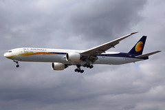 Jet Airways Boeing 777-35R(ER) VT-JEL LHR 18-05-13 (Axel J. - Aviation Photography) Tags: london airport heathrow aircraft aviation airline boeing flughafen flugzeug 777 aeropuerto flugplatz avion lhr airfield aviao aviones vliegtuig aviacin luftfahrt luchthaven jetairways fluggesellschaft vtjel
