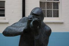 Sir Terence Donovan (andyfpp) Tags: sculpture london canon dof w1 500d canon500d canonef24105mmf4lis aperture3 sirterencedonovan bourdonplace