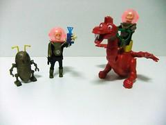 ALIENIGENAS CALAVERA CON ROBOT Y DRAGON - AIRGAM BOYS (RMJ68) Tags: boys toy robot dragon space plastic plastico juguete calavera espacio alienigenas airgam