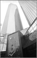 Frankfurt okt 2013,Deutsche Bank Mainzer Landstrasse 12,  RESPECT the copyright. (YoLeenders) Tags: blackandwhite art germany frankfurt streetphotography atmosphere rangefinder analogphotography architectuur nikonsupercoolscan5000ed delta400asa elmaritm12821mmasph leicam6ttl075 developerkodakhc110 httpwwwflickrcomphotosyole2008