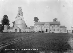 The Wonderful Barn (National Library of Ireland on The Commons) Tags: ireland horse barn cart glassnegative kildare leinster leixlip robertfrench williamlawrence nationallibraryofireland wonderfulbarn lawrencecollection rronaldson