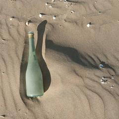 aperitiefje (Birgit Speulman) Tags: shadow beach strand found sand scheveningen schaduw zand beachcombing strandjutten vondst