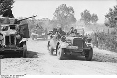 German motorized troops. The car is le.gl. Einheits-PKW (typically Stoewer). Russia June 1941