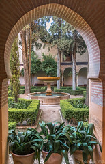 Binnentuin (Eric van Wijk) Tags: history spain palace alhambra granada spanje paleis flashnoflash nasrid andalusi iso560 aperturef35 focallength24  shutterspeedsec ew:rating=2 ew:visibility=public aperturenum35 lens2485mmf3545 shutterspeednum0010000001315418 focallength3524