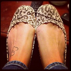 Small Hearts Tattoos On Left Foot For Girls 072 (tattoos_addict) Tags: girls hearts foot for small tattoos left 072 hearttattoos