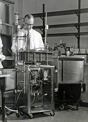 Dialysis at Ann Arbor, 1957 (robmcrorie) Tags: history michigan failure injury replacement patient arbor health national doctor nhs ann 1957 service british nurse kidney healthcare dialysis hemodialysis acute haemodialysis dilaysis