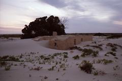 Eucla Telegraph ruin (Stefan Ulrich Fischer) Tags: travel house 35mm nationalpark outdoor oz australia historic outback analogue westernaustralia downunder eucla kodakektachrome olympusmju2