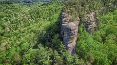 Chimneytop (refmo) Tags: trees rock inflight kentucky daniel nationalforest boone redrivergorge geological drone chimneytop