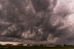 Whale's mouth clouds (carlo.goweather) Tags: clouds canon thunderstorm canoneos canoneos100d canon100d