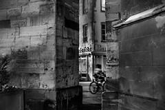 Fil entre deux (krystinemoessner) Tags: bw monochrome de photo explorer nb bn colmar streetphoto rue krystine taek flickrunitedaward streetpassionaward moessner
