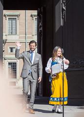 National Day of Sweden 2016 (Maria_Globetrotter) Tags: window day princess sofia stockholm prince suit national carl framing philip prins royalfamily carlphilip 2016 nationaldagen prinsessa img1136 kungafamiljen nationaldrkt