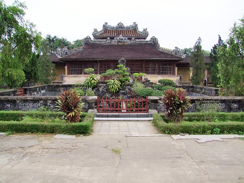 hue - vietnam 18