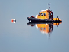 On duty on a peaceful day (nz_willowherb) Tags: rescue weather reflections scotland fife dundee guard calm estuary tay lowwater highpressure railbridge wormit safetyboat