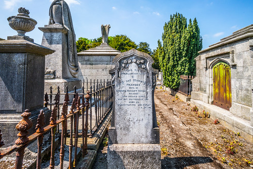 MOUNT JEROME CEMETERY AND CREMATORIUM IN HAROLD'S CROSS [SONY A7RM2 WITH VOIGTLANDER 15mm LENS]-117092