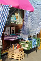 (valerologan) Tags: italy vintage florence libri firenze mercato tenda mercatino ombrellone mercatodellepulci