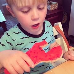 162/366 (grilljam) Tags: spring seamus iphone 4yrs 366days lobstercookie june2016 igiveupcarryingmyslr