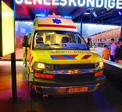 Chevrolet Ambulance (NL) (Vriendelijkheid kost geen geld) Tags: flevoland almere politie brandweer museum pit blauwepit hulpdiensten