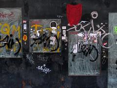 hatred (maximorgana) Tags: sticker evil dirty cartagena trashbit
