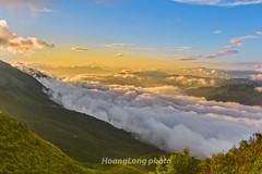 Y9134+36.0716.Tà Xùa.Bắc Yên.Sơn La (hoanglongphoto) Tags: asia asian vietnam northvietnam northwestvietnam landsccape nature outdoor morning sunlight sunnymorning sky bluessky clouds mountain flank plant dale valleycloud vietnamlandscape mountainouslandscape vietnamnature taxualandscape tâybắc sơnla bắcyên tàxùa phongcảnh ngoàitrời thiênnhiên buổisáng nắng nắngsớm bầutrời mây bầutrờimàuxanh núi sườnnúi thunglũng thunglũngmây mâyluồn phongcảnhtàxùa mâytàxùa bìnhminhtàxùa thiênnhiênviệtnam hdr canon canoneos1dx zeissdistagont235ze mâyluồntàxùa