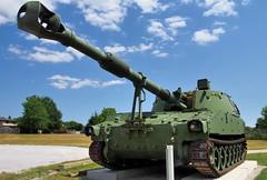 Canadian Army M109A4B+ 155mm self-propelled howitzer, 1960s - Acton, Halton Hills, Ontario (edk7) Tags: sky cloud ontario canada vintage gun track military weapon vehicle gta acton gatekeeper ordnance tracked 2016 howitzer canadianforces 155mm haltonregion canadianarmy selfpropelled 19672005 haltonhills greatertorontoarea nistoric edk7 olympuspenliteepl5 royalcanadianlegionbranch197 uniteddefenselp baesystemslandandarmamentsinc m109a4b sn6834847 nuclearbiologicalandchemicalreliabilityavailabilityandmaintainabilitynbcram detroitdiesel8v71t93litreturbochargedtwostrokev8450hp