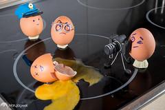 De-batiendo un crimen (marujageek) Tags: egg police lifestyle huevos crime eggs murder huevo bodegon crimen polica
