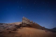 PUNTA PALOMA STARTRAILS (Der_Golem_) Tags: playa cadiz tarifa startrails 2016 linterna largaexposicion circumpolar