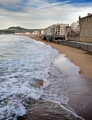 Zarauz (mmontesfotografo) Tags: landscapephotography landscape seascape sea gipuzkoa euskadipaisvasco euskadi europe europa fineartphotography fineart ngc