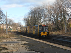 4025 (ee20213) Tags: nexus whitleybay yellowline metrocar 4025 tynewearmetro