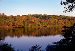 152-102.jpg (johnrellis) Tags: unitedstates jan pennsylvania places 13 w2 84 washingtoncrossing ellisfamilyslides kodachromeredonwhite