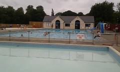Cirencester lido (Dave Mytton) Tags: openairpool swimmingpool lido cirencester