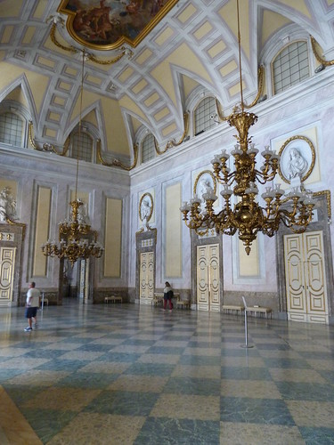 Reggia Caserta - Bourbon royal palace, guard room (2)