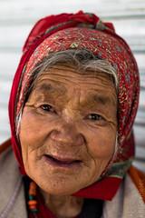 Farmer woman (antje.m) Tags: red woman india village farmer ladakh canoneos600d