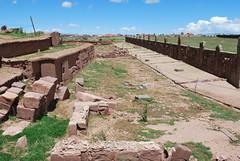 Tiwanaku (jmalfarock) Tags: southamerica ruins bolivia ruinas archaeological cultura sudamerica prehispanic tiwanaku tiahuanaco arqueolgico archaeologicalruins prehispnicos arquelogic antiquitiesplaces
