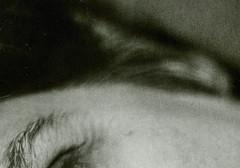 anatomia di un ritratto #3 (UBU ♛) Tags: blancoynegro blackwhite noiretblanc blues biancoenero analogico gelatinsilverprint ©ubu unamusicaintesta luciombreepiccolicristalli