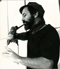 "<br /><span style=""font-size:0.8em;"">LEOPOLDO NOVOA EN EL TALLER DE PARIS 1979<br />FOTO ©EDMOND CAPRASSE</span> • <a style=""font-size:0.8em;"" href=""http://www.flickr.com/photos/114402629@N08/13384160845/"" target=""_blank"">View on Flickr</a>"