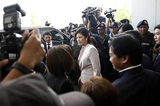 泰国部分法官欲用法律手段罢黜英拉