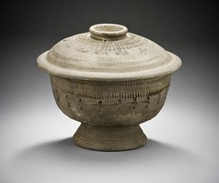 wikimediacommons capturedeviceleafaptusdigitalback photographersoliver departmentchineseandkoreanart imagesfromlacmauploadedbyfæ furnishingsaccessoriesinthelosangelescountymuseumofart containersfromkoreainthelosangelescountymuseumofart
