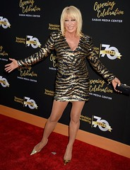 Suzanne Somers (My favourite beauties) Tags: hot sexy beautiful legs mature stunning milf minidress gilf suzannesomers