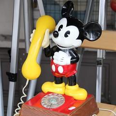 Portobello Phone (lookaroundandsee) Tags: london nottinghill potobello shopping