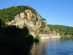 Rock  (ricMon chemin ) Tags: blue sky cliff nature water canon river landscape outside spring may eu dordogne rivire mai 24 prigord printemps bluff 2016 mdival laroquegageac lesplusbeauxvillagesdefrance