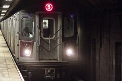 r_160528042_beat0033_a (Mitch Waxman) Tags: newyorkcity newyork subway manhattan 59thstreet 5line