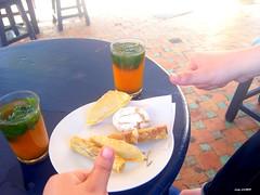 Café maure (latifalaamri) Tags: café de la à bleu maroc gazelle tabouret rabat gâteaux maure menthe thé cornes ghzal oudaya briouates kaab