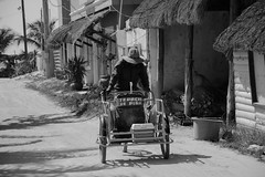 Tepache de Pia (Ibaez Matias) Tags: street mexico vendedor holbox pueblito ambulante