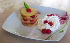 Bonne fte des pres / Happy Father's Day (Kermitfrog :-D) Tags: dessert pommes appel raspberry apfel pomme chantilly millefeuille framboise framboises